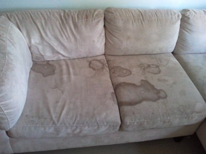 Beige Sofa before (640 x 480)